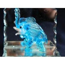 Статуэтка Слон на зеркале, пластик