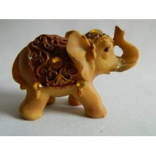 Статуэтка полистоун Слон коричневая накидка