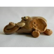 Статуэтка керамика Слон на животе коричневый