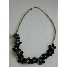 Ожерелье черное Цветок